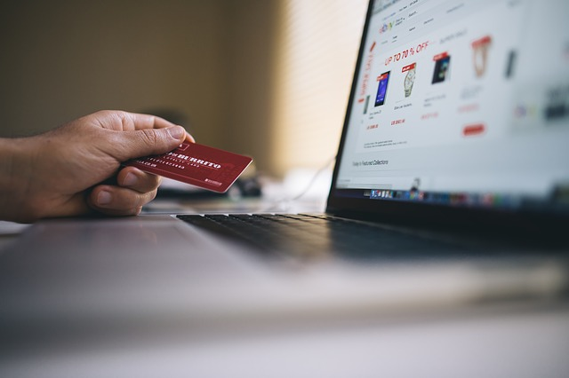 stay safe when shopping online